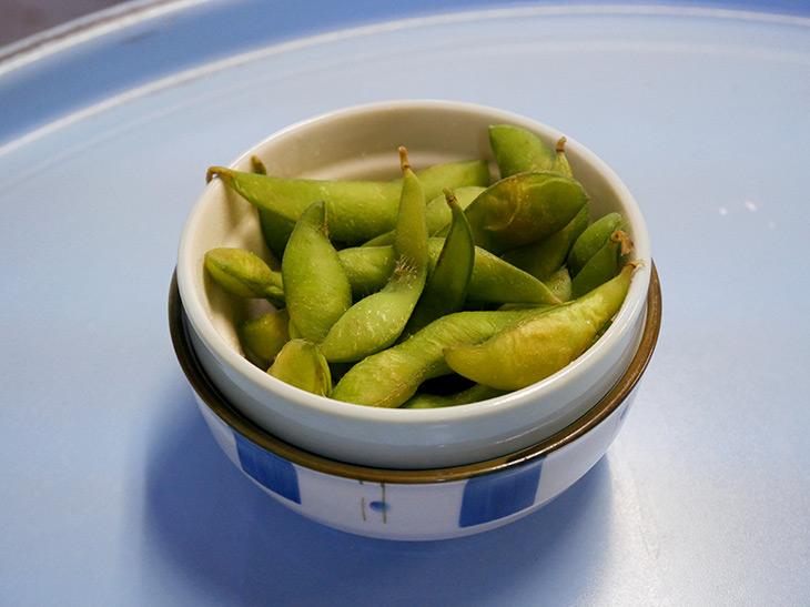 「枝豆」100円。もはや説明不要。こんなにお腹いっぱいになるセンベロ、かつてあっただろうか?