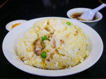 1.2kgのデカ盛りチャーハンを、町中華『登龍』(新馬場)で食べてきた!