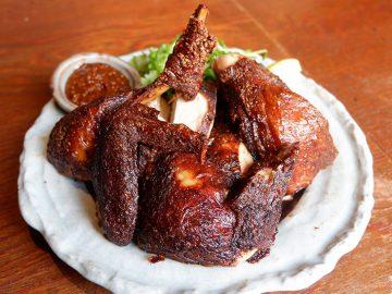 カラアゲニストが絶賛! 新宿『とさか』のラードで揚げる絶品「大山地鶏半身揚げ」とは?