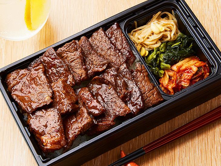 「名物!赤身肉の焼肉弁当(タレ)肉山盛り(150g)」は2,080円