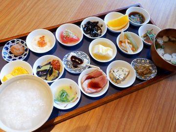 行列必至のお寺の朝食! 『築地本願寺カフェTumugi』の「18品の朝ごはん」を食べてきた