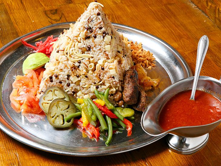 重量1.4kg! 錦糸町でエジプトの国民食「ピラミッドコシャリ」を食べてきた