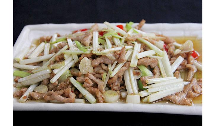 四川料理の定番「黄韮と豚肉の炒めもの」もごはんが進むメニュー