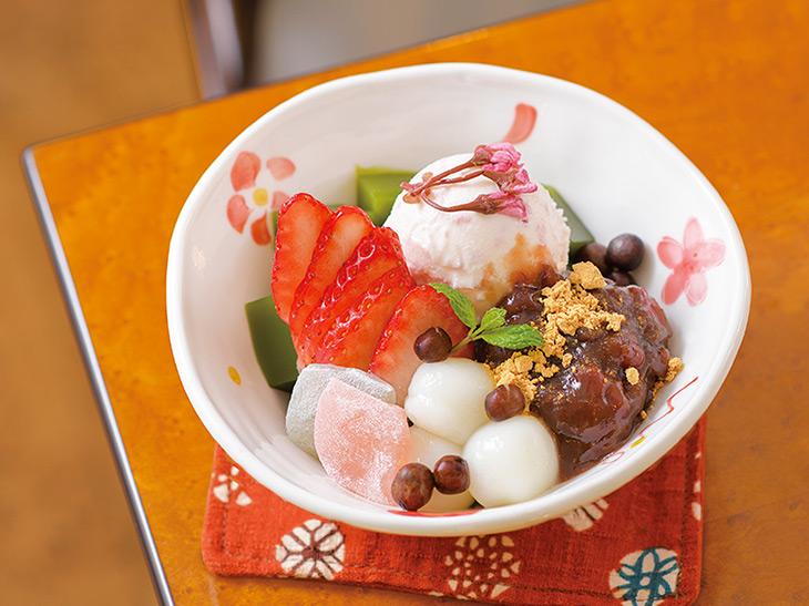 桜あんみつ1,100円(抹茶・コーヒー・紅茶から1ドリンク付)