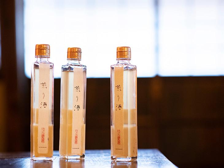 ユキ・リョウイチさん自ら開発に携わったこだわりの「オリジナル煎り酒」。施設内「奈美路や」で販売しています