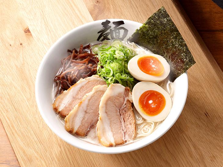 福岡市『博多麺屋台 た組』の「スペシャルラーメン」950円