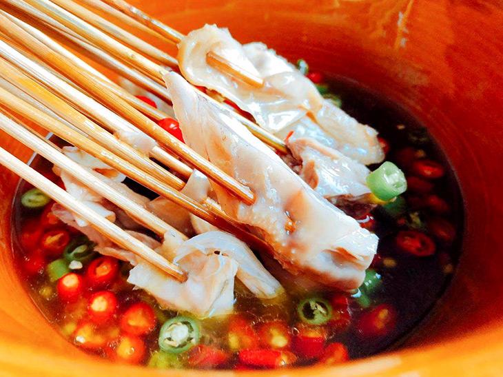 『幺麻子』の「鉢鉢鶏」