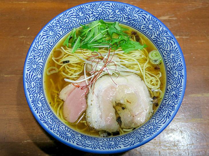 『麺や 而今』(大阪府大東市)の「芳醇醤油鶏そば」