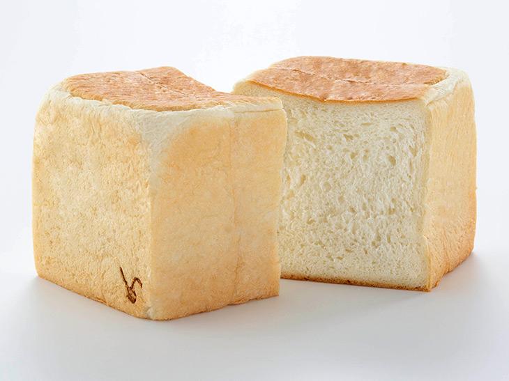 『ラ・パン』で販売するパンは「クリーミー生食パン」のみ。サイズはS(1斤=440円)、M(1.5斤=660円)、L(2斤=880円)の3種類