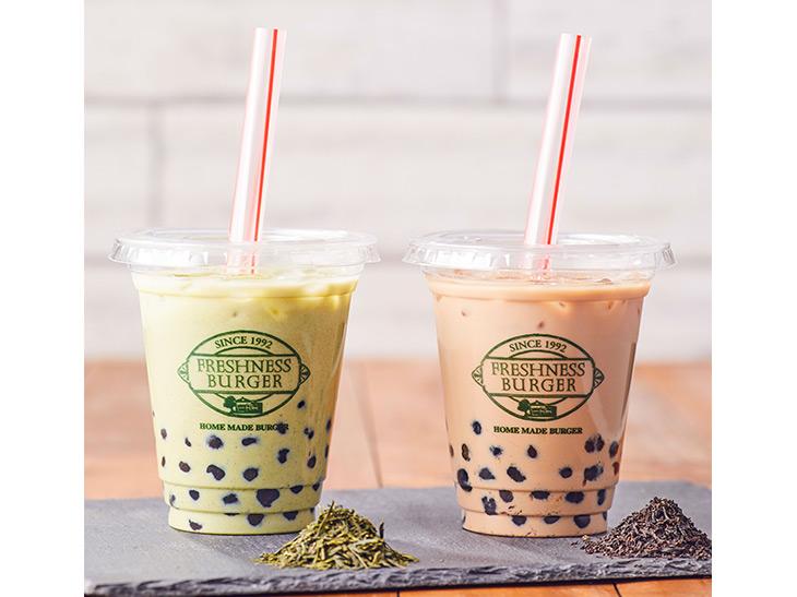「タピオカ ジャスミン緑茶ミルクティー」と「タピオカ 黒ウーロンミルクティー」(各420円)