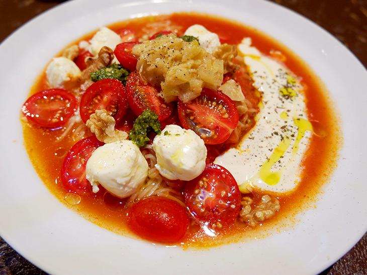 ひんやり美味! 『太陽のトマト麺』で夏季限定の絶品「トマト冷麺」を食べてきた