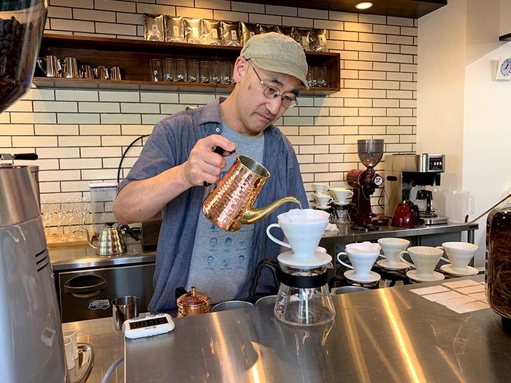 この日は『TERA COFEE and ROASTER』の寺嶋さんがコーヒーを淹れてくれました