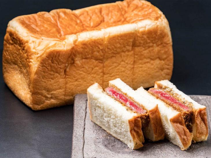 高級食パン×肉割烹がコラボした 「どんだけ自己中な究極の京都牛カツサンド」に注目!