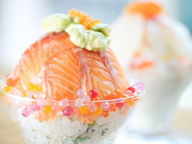 「アボカドソースと生サーモン丼」1680円