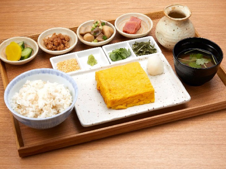 「つきじ丸武の玉子焼定食」890円
