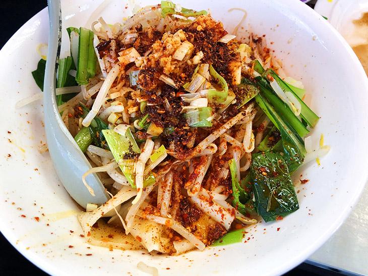 昼飲み天国の上野・アメ横で、幻の「ビャンビャン麺」を食べてきた!