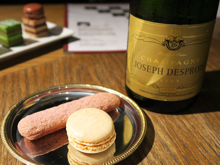 『Le Bar a Vin 52 AZABU TOKYO』で、サダハル・アオキの限定シャンパンスイーツを実食