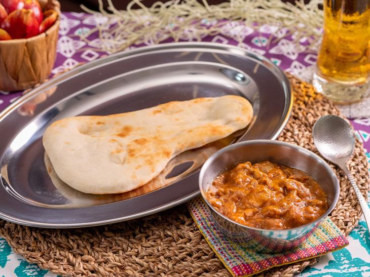 「チキンのココナッツトマトカレー」(バーモントカレー甘口を使用)考案者:インド料理『ムンバイ』