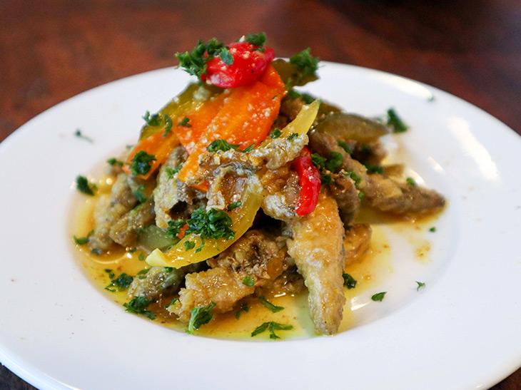 「彩野菜と旬魚のエスカベッシュ」850円
