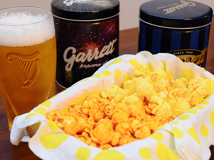 ビールのアテに最高! ギャレットポップコーンの期間限定「明太マヨ」と「麻辣チーズ」を食べてみた
