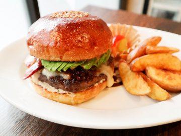 肉屋の執念! 恵比寿『ブラッカウズ』のハンバーガーが完璧に旨い理由