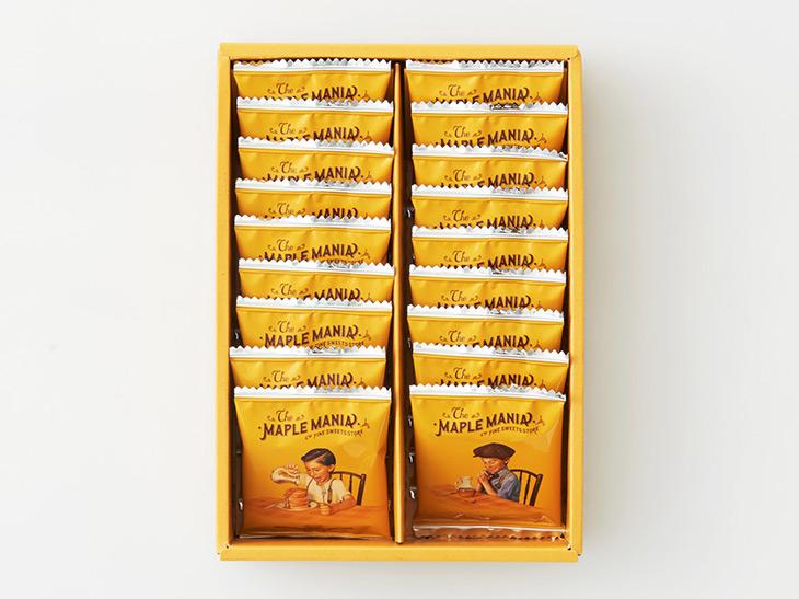 「メープルバタークッキー」9 枚入(950 円)、18 枚入(1900 円)、32 枚入(3370 円)