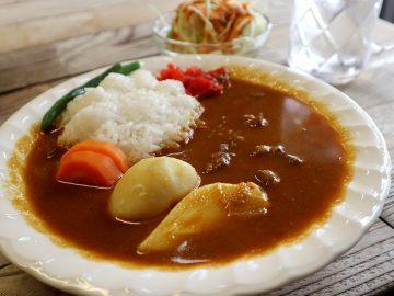大門『ホルモン焼き 夏冬』でネパール人が作る謎の「ポカラカリー」を食べてきた