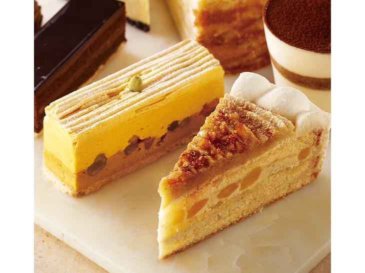 左/チャイパンプキンのチーズケーキ(500円。セット価格750円)。右/りんごとスイートポテトのショートケーキ(500円。セット価格750円)