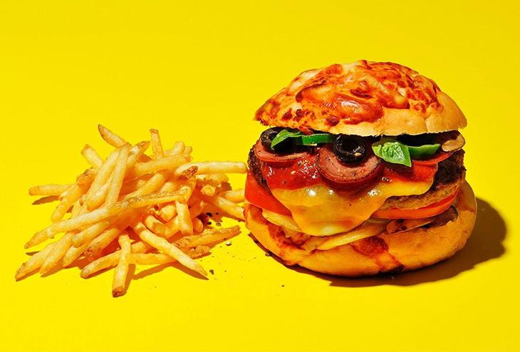 「3チーズ・NYピザバーガー」 1,280円