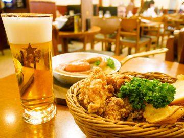 """今年で創業80年! 新宿のビアホール『ライオン』で伝統の""""一度注ぎビール""""とは何か実際に飲んでみた"""