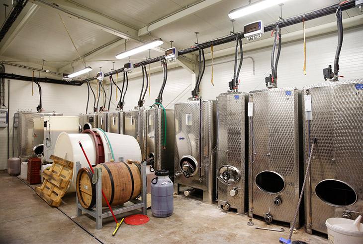 20℃以上になると香りが飛んでしまうので、氷温まで対応するシステムを作って完璧な温度管理をしながら発酵させている