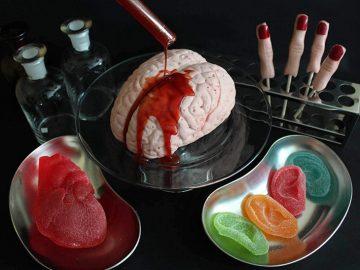見た目も味も本気すぎる! キャンディ専門店が作る超リアルなホラーキャンディ3選