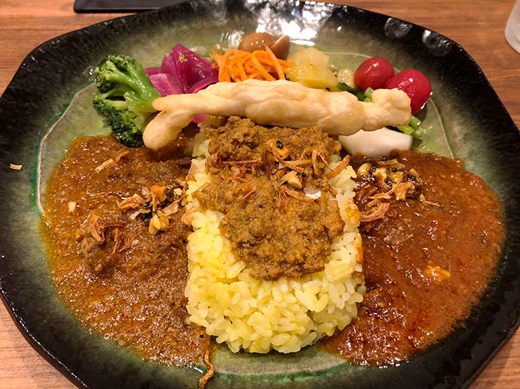 日本のインド・高円寺に新たなカレー屋が出現! 毎日食べたくなる不思議な『マントラ』のカレーが奥深い