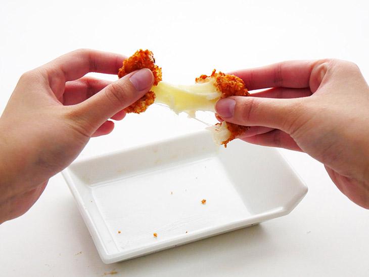 チーズがびよ~んとのびます