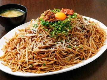 7人前2.5kg!? 埼玉の『バソキ屋』で大盛りすぎる焼きそばを食べてきた