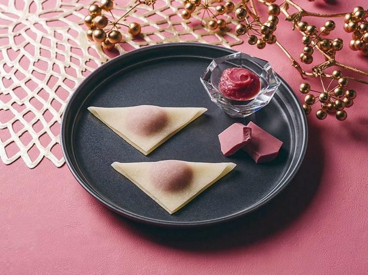 京都銘菓「おたべ」に、話題のルビーチョコレートを使った「ルビーショコラのおたべ」が登場
