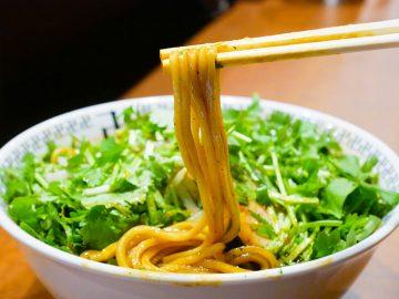 約1kg! 秋葉原『スパイス・ラー麺 卍力』でデカ盛り「スパイス・トリプルパクチーラー麺」を食べてきた