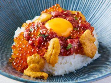 肉ラバー集まれ! 『肉寿司』秋葉原店に絶品「生肉ユッケ丼」が登場!