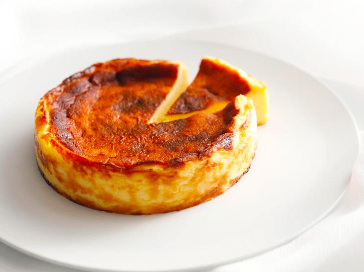 大人気の「バスクチーズケーキ」がホテルニューオータニ『パティスリーSATSUKI』に登場