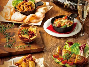 「ガーリックシュリンプ」や「白身魚のエスカベッシュ」など気軽につまめるタパス料理が人気