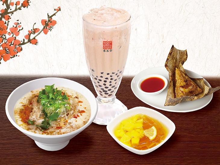 タピオカ白桃鉄観音ミルクティーと豆漿鶏湯麺、点心とミニスイーツが付く「Bセット」1700円(税抜)
