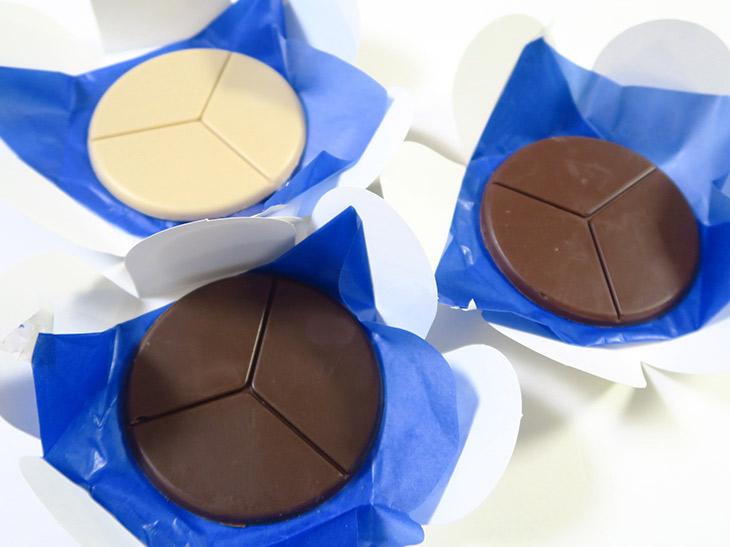 有機砂糖を使用しているのもこだわりのひとつ。いずれのチョコレートも乳製品や卵を使わないので、一般的なチョコレートよりも味わいが柔らかい