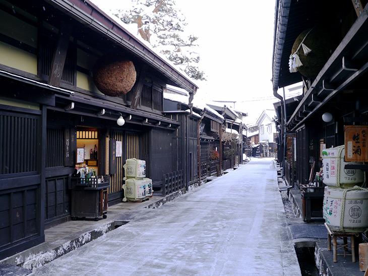 飛騨高山の町並み・冬の風景