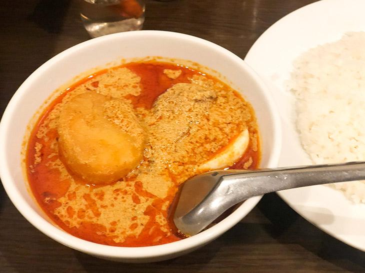 死ぬまでに1度は食べておきたい傑作カレー! タイカレーの行列店『メーヤウ』(信濃町)で魅惑の「大辛カレー」を食べてきた
