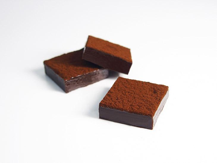 「生チョコレート(トンカ)」1箱1000円(税抜)