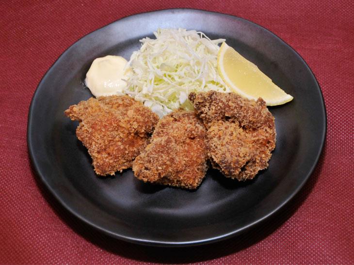 「お兄ちゃんの鶏もも唐揚げ」594円