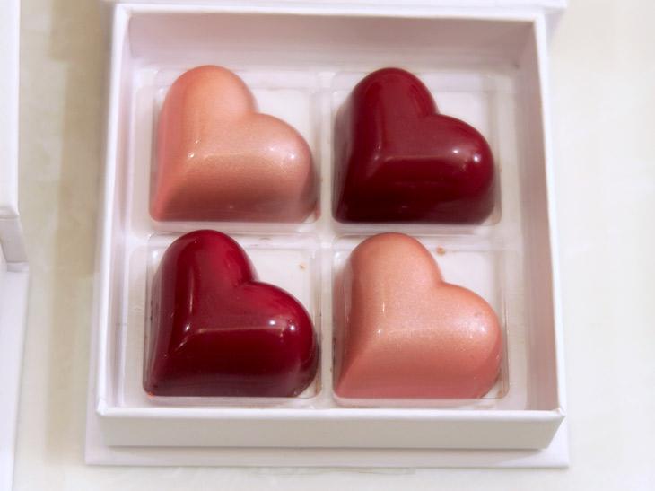 「ハートチョコ」(4個入り1728円)はパリの本店でも人気