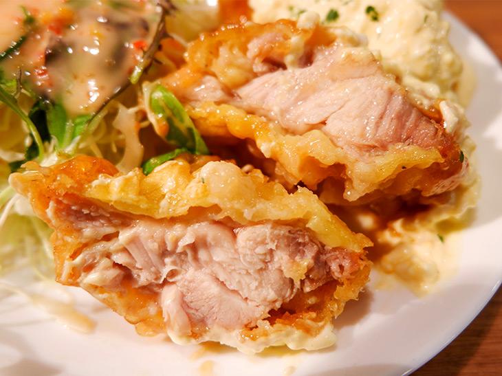 「チキン南蛮」(990円)。肉汁もじゅわりと出てきます