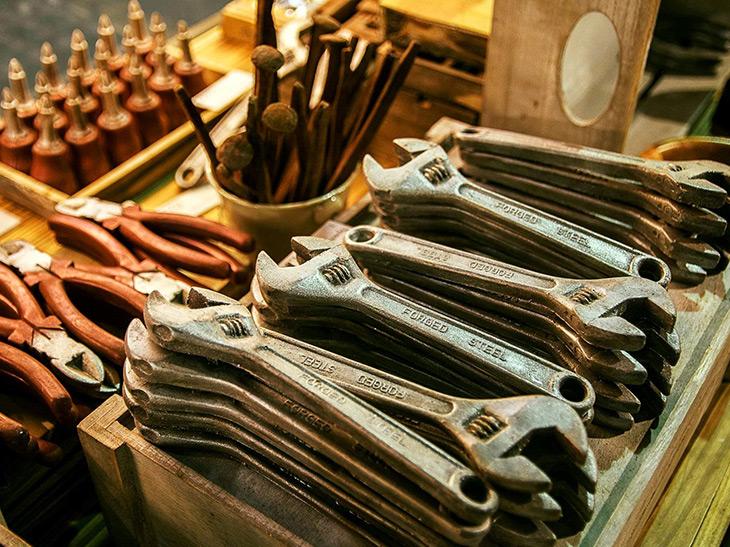 英国発の謎の工具チョコ! SNSで話題の『The Amazing Chocolate Workshop』とは?