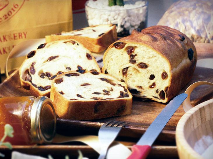「レーズン食パン」(2斤サイズ)760円